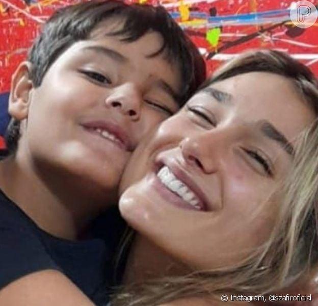 Luciano Szafir publicou foto de Sasha Meneghel com os irmãos e se declarou