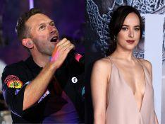 Chris Martin, do Coldplay, se declara para Dakota Johnson, de '50 Tons', em show: 'Meu universo'