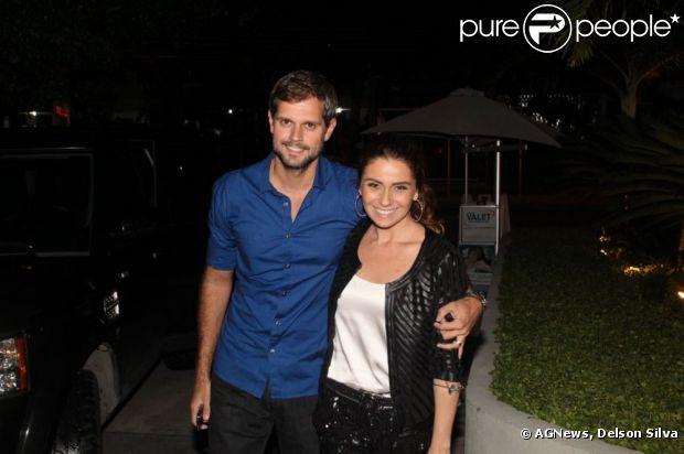 Giovanna Antonelli comemora o aniversário de 37 anos em um restaurante no Rio, ao lado do marido, Leonardo Nogueira, de amigos e família, em 18 de março de 2013