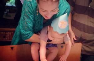 Luana Piovani posta foto do bolinho de aniversário do filho Dom, de 8 meses