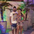 O jogador Radamés, noivo de Viviane Araújo brincou nas redes sociais: 'Toda boba com o presente que eu dei de Natal... eu juro que eu queria dar uma BMW, mas ela preferiu uma bicicleta elétrica'