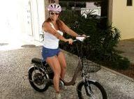 Viviane Araújo ganha bicicleta de presente de Natal do noivo: 'Queria dar BMW'