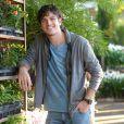 Marco Pigossi protagoniza 'Sangue Bom' na pele do florista Bento