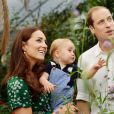George é o filho primogênito da duquesa de Cambridge, Kate Middleton e do príncipe Wiliiam