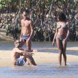 Naomi Campbell está curtindo dias de descanso em Trancoso, na Bahia