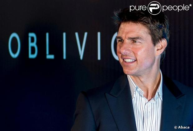 Tom Cruise divulga o filme 'Oblivion', no Rio de Janeiro, em 27 de março de 2013