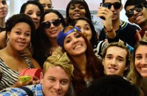 Fãs de Anitta criam campanha no Twitter para liberação do clipe 'No Meu Talento'