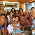 Romário posa ao lado da família e da nova namorada, Dixie Pratt, de 19 anos
