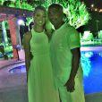 Romário passou o Réveillon na companhia da namorada, Dixie Pratt, em Búzios. 'Feliz 2015 pra geral', escreveu o ex-craque, postando emoticons de corações na legenda da imagem