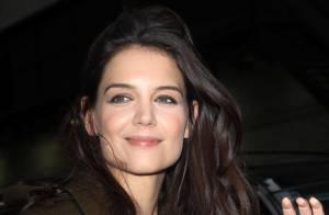 Katie Holmes está namorando cantor: 'Ele a trata como uma lady', afirma jornal