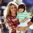 Milan subiu no palco do encerramento da Copa do Mundo 2014 com a mãe, Shakira