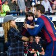Sempre que pode, Shakira leva o pequeno Milan ao jogos do pai, Gerard Piqué