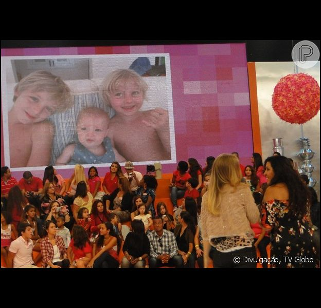 Angélica fala sobre a personalidade dos filhos durante participação no 'Esquenta!', em 17 de abril de 2013