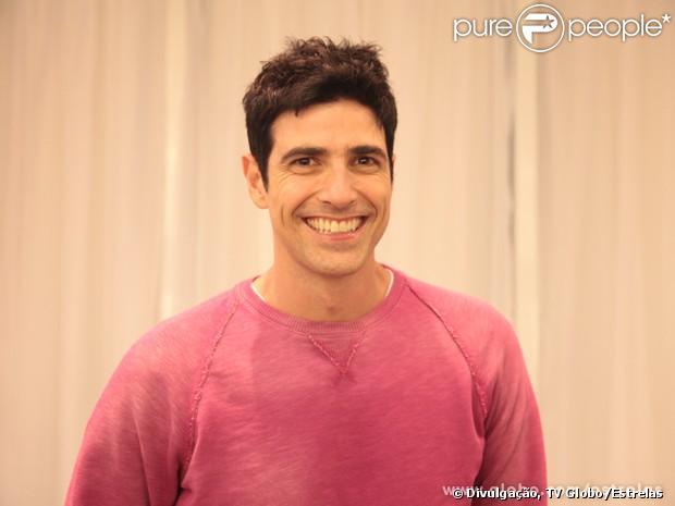 Reynaldo Gianecchini mudou o visual depois do fim da novela 'Guerra dos Sexos', como divulgado nesta sexta-feira, 26 de abril de 2013