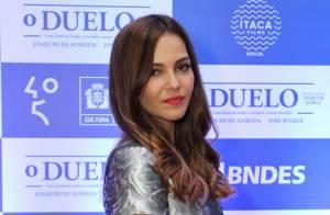 Tainá Müller usa look curto na pré-estreia do filme 'O Duelo' no Rio de Janeiro