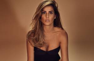 Deborah Secco esbanja sensualidade e boa forma em fotos para marca de lingerie