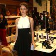 Laura Neiva marca presença em noite de lançamento de coleção de moda em São Paulo