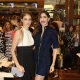 Laura Neiva vai à lançamento de coleção de moda em São Paulo