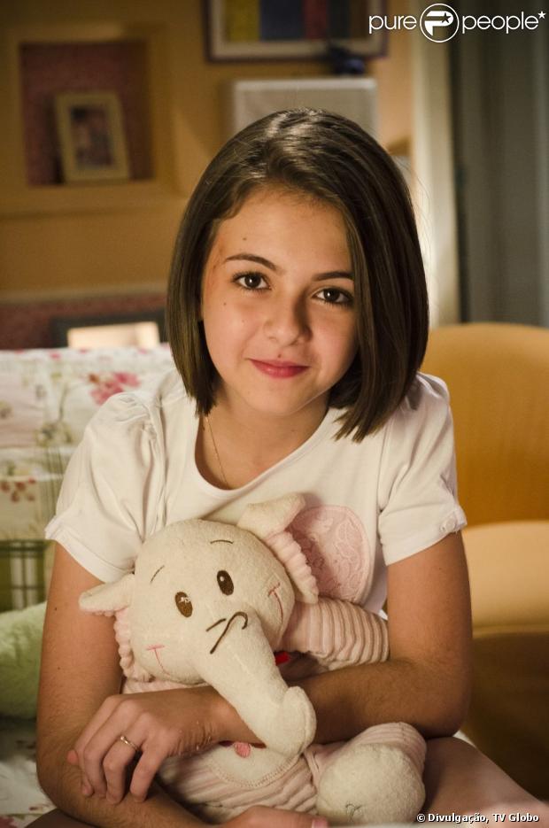 Doze anos se passam em 'Amor à Vida' e Paula (Klara Castanho) cresce ...