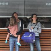 Pedro Cardoso, Agostinho de 'A Grande Família', é clicado com mulher e filha