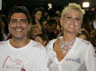 Xuxa e Junno assistem a duas sessões seguidas no cinema por causa de paparazzo