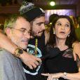 Caio Castro entrevista Ricardo Blat na festa da novela 'I Love Paraisópolis'