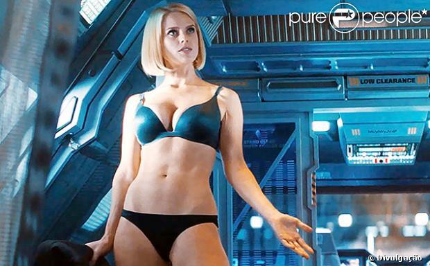 de 'Star Trek' se desculpa pela cena de atriz só de calcinha e sutiã