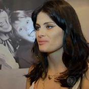 Isabeli Fontana apresenta casa na TV e mãe ironiza: 'Tem mania de casar'