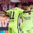 Neymar marca dois gols pelo Barcelona em jogo contra o Bayern de Munique, mas não garante vitória do time catalão. Apesar disso, o clube espanhol segue para a final da Liga dos Campeões