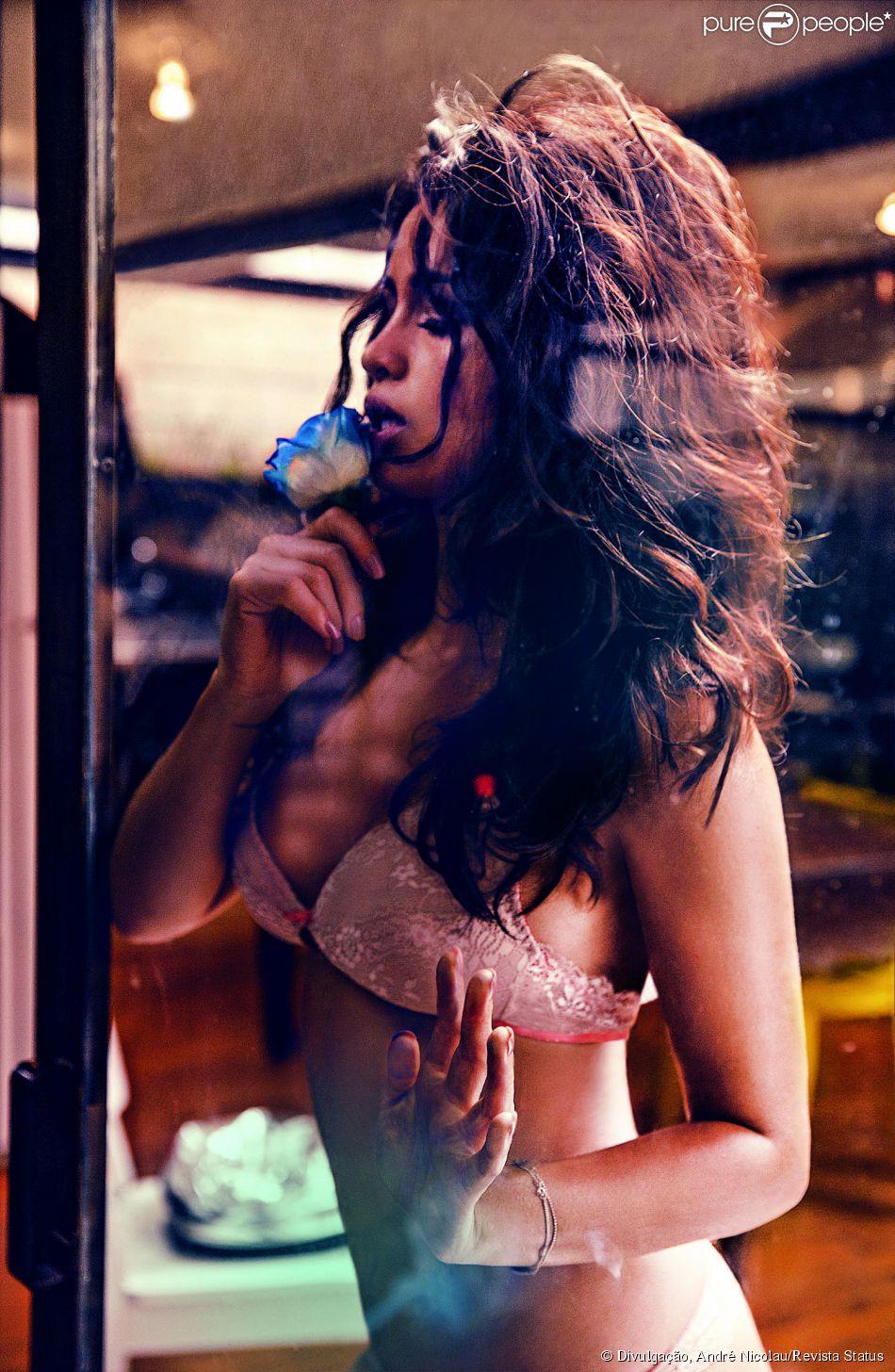http://static1.purepeople.com.br/articles/6/55/41/6/@/749890-nanda-costa-posa-de-lingerie-para-a-950x0-2.jpg