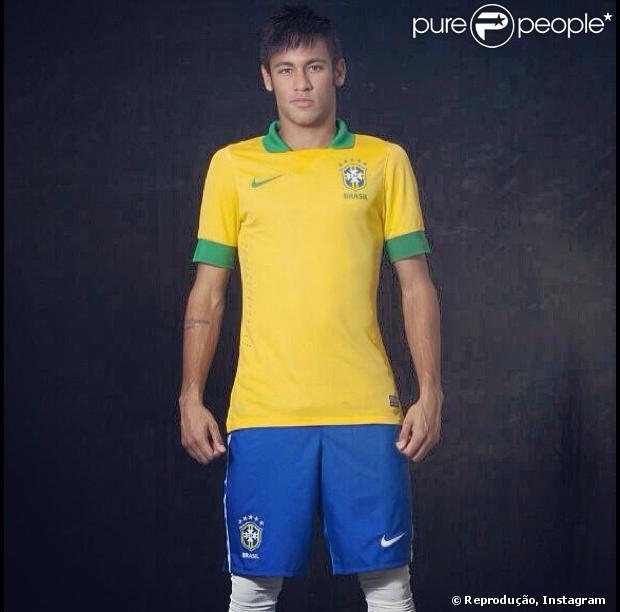 Após jogo da seleção, Neymar deve pegar jatinho disponibilizado pelo Barcelona para ir à Espanha e cumprir alguns compromissos, segundo coluna em 29 de maio de 2013