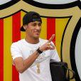 A transferência de Neymar custou € 57 milhões (aproximadamente R$ 158 milhões) ao Barcelona