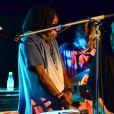 Milton Nascimento e Caetanos Veloso fizeram uma participação especial no show de lançamento do primeiro álbum da banda Dônica
