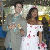 Marido de Paolla Oliveira, Joaquim Lopes, se casa com Cris Vianna em festa