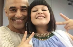 'Os Dez Mandamentos': Luciano Szafir posa com a sobrinha de Xuxa, Nikki