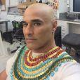 Luciano Szafir raspou o cabelo no início da semana para começar a gravar como Meketre