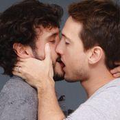 Ator Igor Angelkorte e mais famosos beijam pessoas do mesmo sexo em campanha