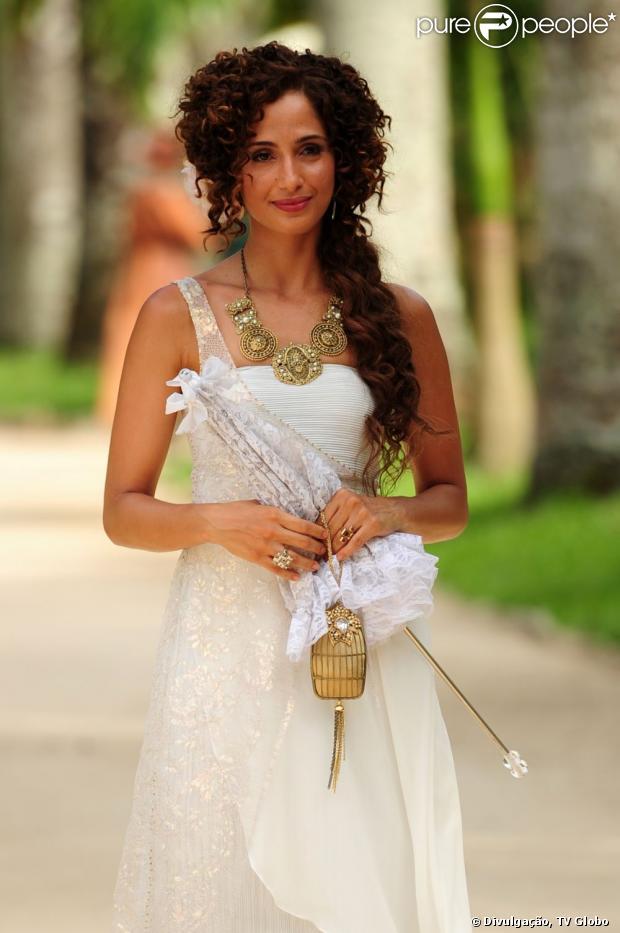 Isabel (Camila Pitanga) se ofende com a pergunta de Zé Maria sobre sua vida sexual, em capítulo de 'Lado a lado' no ar em 4 de dezembro de 2012