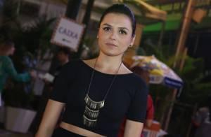 Monica Iozzi, sem o namorado, curte show com presença de famosos no Rio
