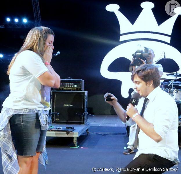 """Camila se surpreendeu com o pedido do repórter do """"CQC"""" Lucas Salles"""