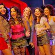 Juliana Knust posa com Pollyana Rocha, Natália Vidal, Patrícia Elizardo e Jéssica Barbosa. Este é o elenco de 'Uma Rua Sem Vergonha'
