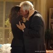 'Amor à Vida': Aline (Vanessa Giácomo) leva César (Antonio Fagundes) para a cama