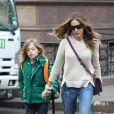 Sarah Jessica Parker acompanhada do filho primogênito, James Wilkie