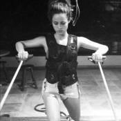 Nanda Costa, a Morena de 'Salve Jorge', posta foto de shortinho na malhação