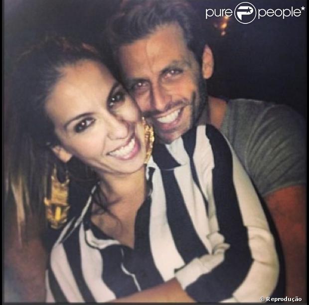 Henri Castelli se declara para Juliana Despirito, que está grávida de seu segundo filho, com mensagem publicada no instagram, em 9 de julho de 2013: ' A Vida nunca mais será a mesma... Porque ela será bem melhor'