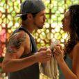 Também em 'Avenida Brasil', José Loreto e Débora Nascimento engataram romance