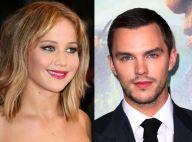Jennifer Lawrence retoma namoro de 2 anos com Nicholas Hoult em set de 'X-Men'