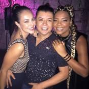 Ludmilla exibe novo visual em festa com Paolla Oliveira e Bárbara Paz