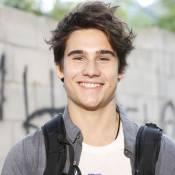 Nicolas Prattes, namorado de Livian Aragão, brinca: 'Ficaria com uma fã'