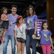 Rodrigo Faro e Vera Viel desfilam com as filhas em evento infantil